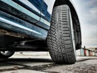 Najvyšší čas prezuť na zimné pneumatiky! Obrovský test obutia: Medzi 50 gumami prekvapila lacná
