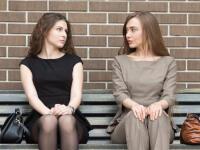 Závidíte iným ľuďom? Ako často ju pociťujete a ste vôbec schopný pripustiť si ju?