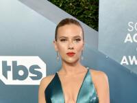Kam až siaha TENTO výstrih?! Scarlett Johansson a ďalšie...