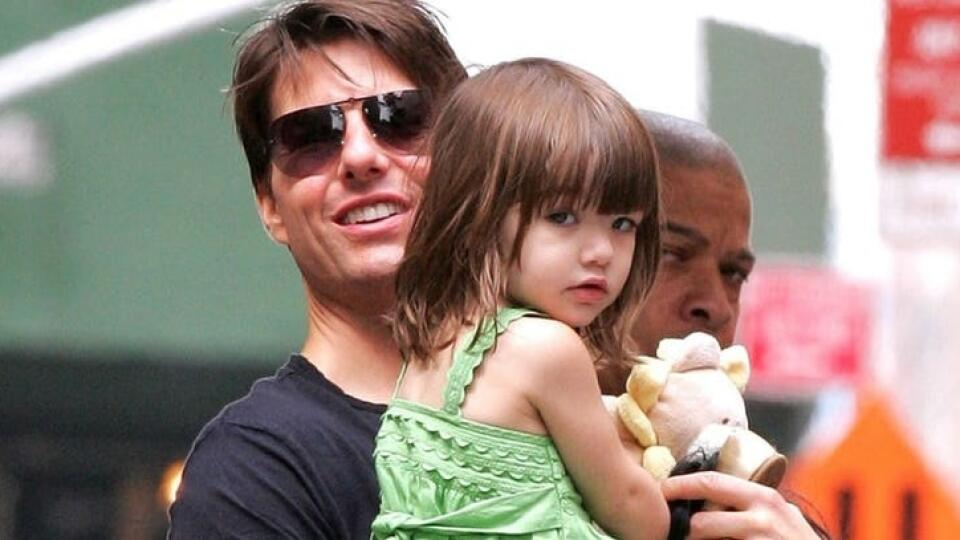 Suri Cruise a otec Tom Cruise.