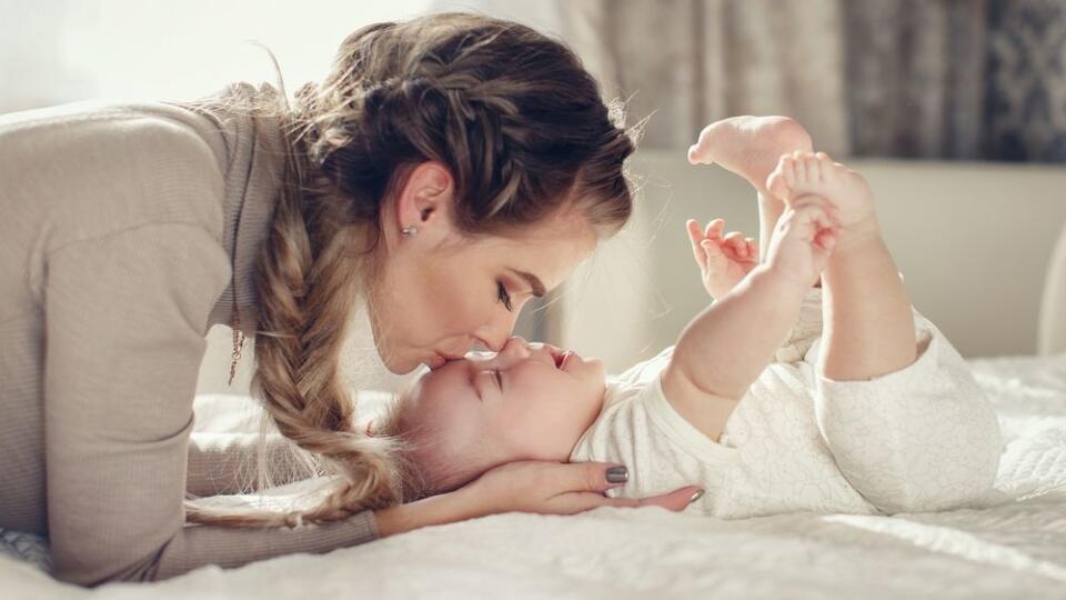 Mama dvojročného dievčatka bola v bezvedomí: Neuveríte, čo to dieťa urobilo!