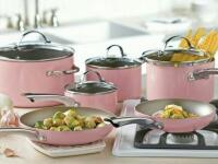 Ružové doplnky v kuchyni – toto sú dôvody, pre ktoré sú dôležité!