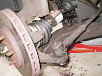 Neznáme pukanie a praskanie v aute? Promptná oprava môže byť lacná, váhanie ju výrazne predraží