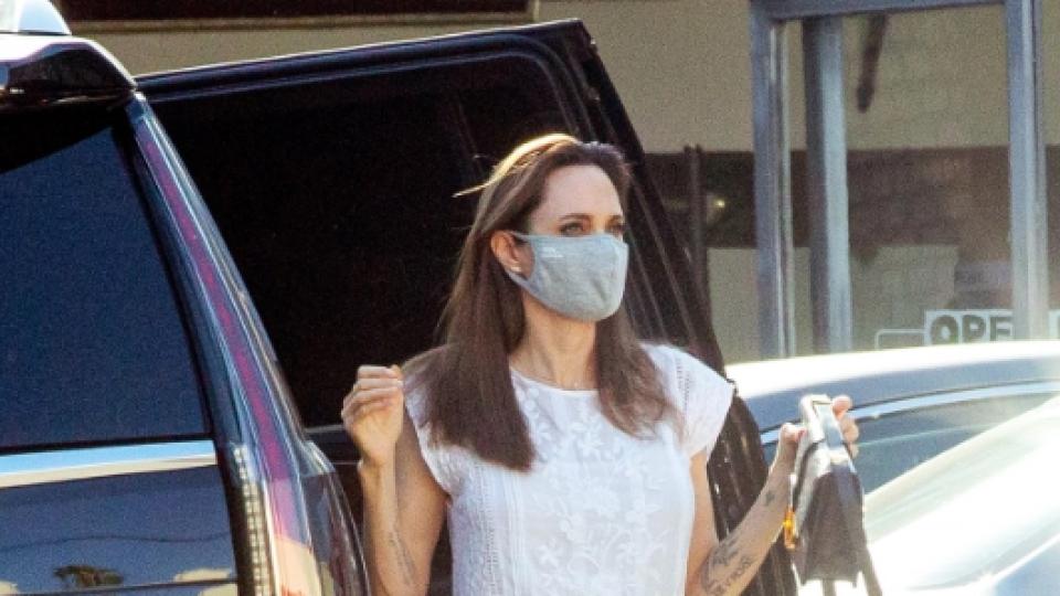Angelina Jolie na babskej jazde s 11-ročnou dcérou Vivienne.