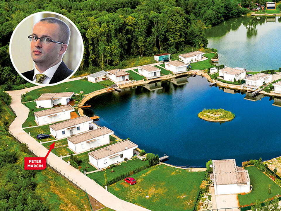 V MALÝCH LEVÁROCH Bratia Pčolinskí sú spolumajiteľmi umelo vybudovaného jazera.