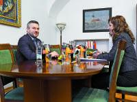 MÍNUS 7 DNÍ: Po chrípke prišiel mor, po smútku v Prešove miliónová faktúra a hnev za drahotu