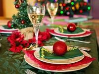 4 spôsoby, ako najkrajšie vyzdobiť štedrovečerný stol: Ktorý si vyberiete vy?