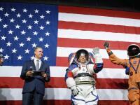 NASA ukázala nové skafandre: V tomto pôjdu astronauti na mesiac!