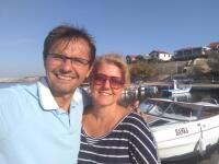 Topiaci sa politik! Poslanca zachránila z mora manželka v poslednej chvíli