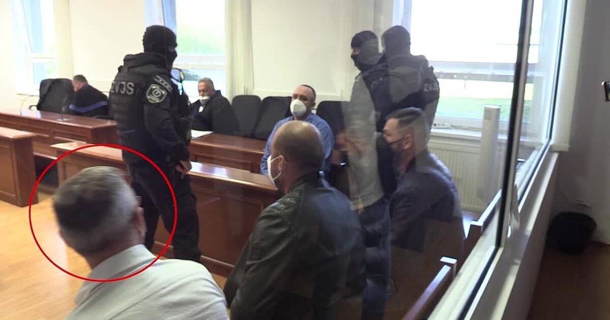 Na procese s hrobárom sátorovcov vypovedal exšéf kriminálky z Galanty: Sátora som dobre poznal!