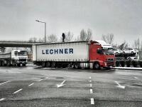 Geniálny príklad pre všetkých vodičov: Tento kamionista urobil to, čo mnohí úplne ignorujú