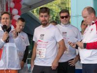 Charitatívny beh No finish line po prvý raz v histórii zavítal aj na Slovensko. Jeho účastníci počas počas piatich dní podporili znevýhodnené a trpiace deti. Čo odbehnutý kilometer, to 1 euro na ich podporu. Bratislavu navštívil aj cyklista Peter Sagan.