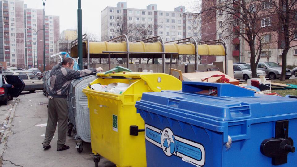 Ak nezaplatíte za smeti, zoberú vám vodičák. Ilustračné foto
