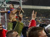 RIJEKA – Toto si nezaslúžili. Slovenským futbalistom prišlo do Rijeky fandiť približne 450 fanúšikov, ktorí zaplnili hosťujúci sektor. V ňom zažili od domácich organizátorov totálny šok a katastrofu!