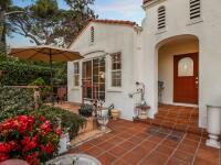 Luxus posiaty krvou: Dom, kde pred 50 rokmi vraždili fanatici Charlesa Mansona je predaný