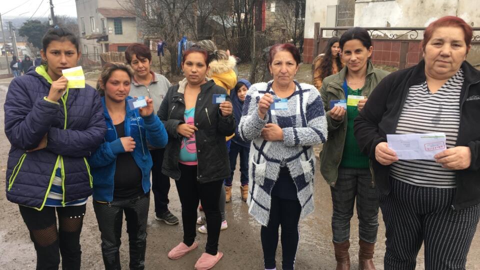 Rómov prepoistili do inej zdravotnej poisťovne bez ich vedomia.