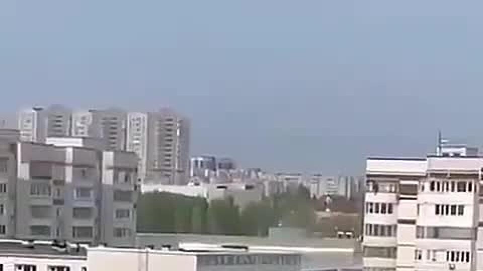 Len 18+! Desivé VIDEO z Kazane: Študenti spred dvomi strelcami zachraňovali skokom z okien
