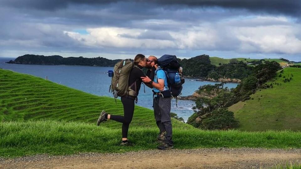 Rozhodnutie ostať na Novom Zélande si pár nevie vynachváliť.
