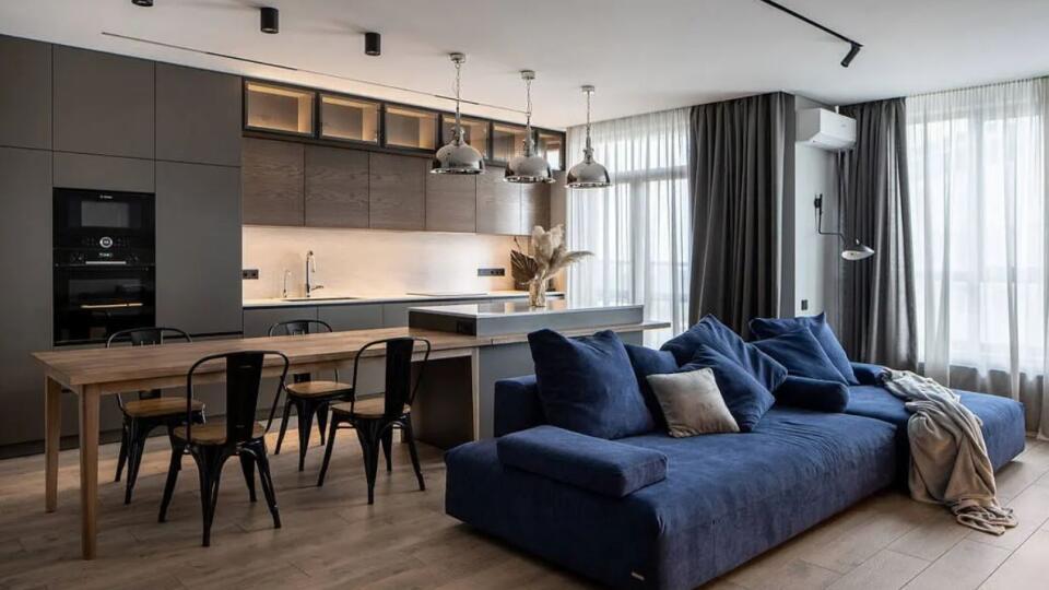 Priestranný 4-izboivý byt je dôkazom, že minimalizmus má svoje čaro.