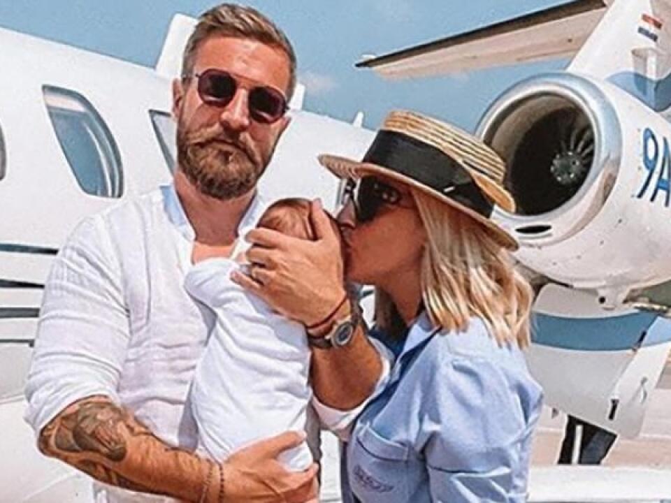 Na prvú dovolenku letel Cibulkovej synček do Chorvátska a jeho mamina mu dopriala poriadny luxus, veď rodinka letela súkromným lietadlom.